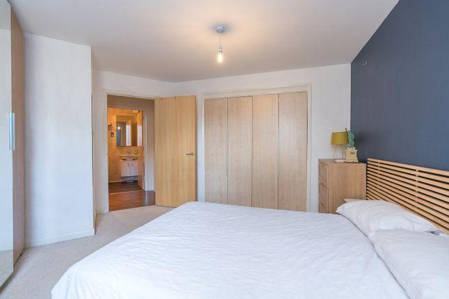Bedroom Alt of Hawkhill Close, Edinburgh EH7