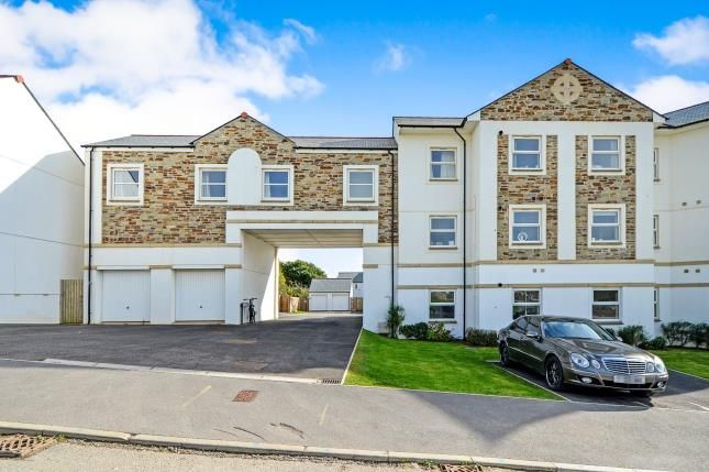 Thumbnail Flat for sale in Greenvalley Road, Bodmin, Cornwall