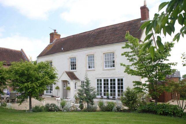 Thumbnail Farmhouse for sale in Evesham, Evesham, Worcestershire