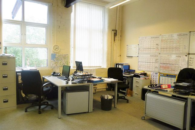 Office to let in Welsh Hill Street, Leighh