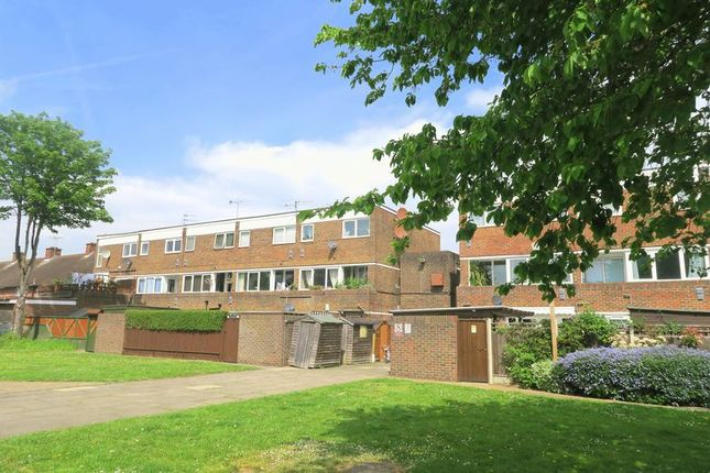 Thumbnail Flat for sale in New Road, Bedfont, Feltham