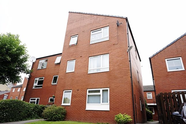 Flat to rent in Westfield Road, Leeds