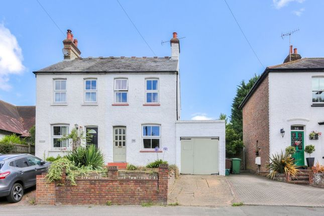 Thumbnail Cottage to rent in Lower Luton Road, Harpenden, Hertfordshire