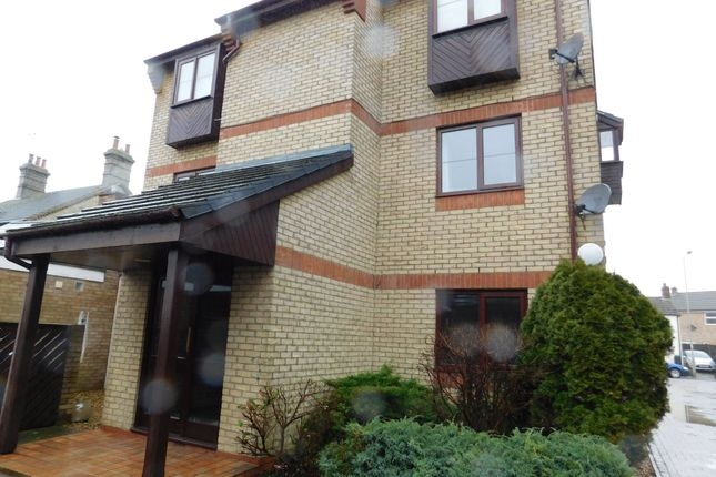 1 bed flat to rent in Crown Lodge, High Street, Arlesey, Beds SG15