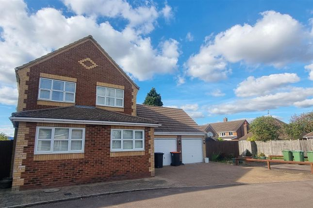 4 bed detached house for sale in Old Dairy Court, Poynters Road, Dunstable LU5
