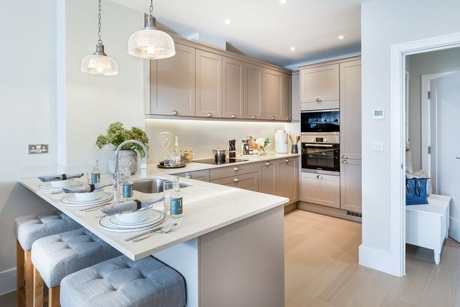 Thumbnail Town house for sale in Longwater Avenue, Green Park, Reading