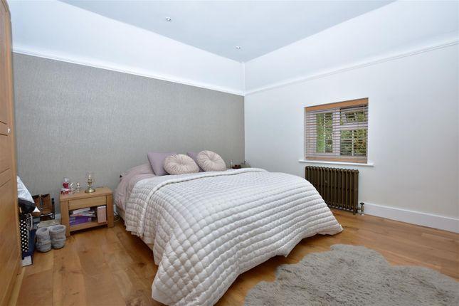 Main Room of Wrotham Road, Meopham, Gravesend DA13