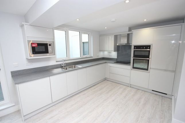 Kitchen of Bay Court, Harbour Road, Seaton EX12