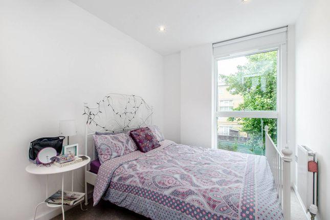 2 bed flat to rent in Plender Street, Camden