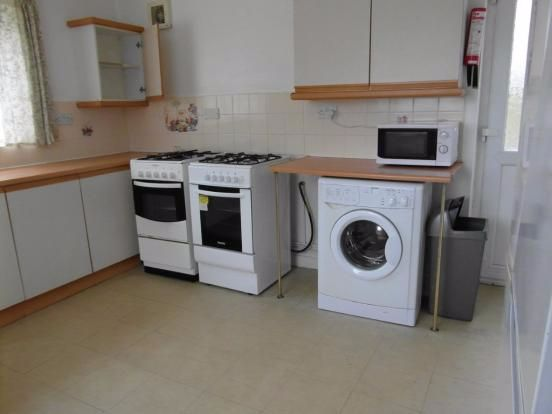 Thumbnail Flat to rent in Roslin Road, Sheffield, South Yorkshire