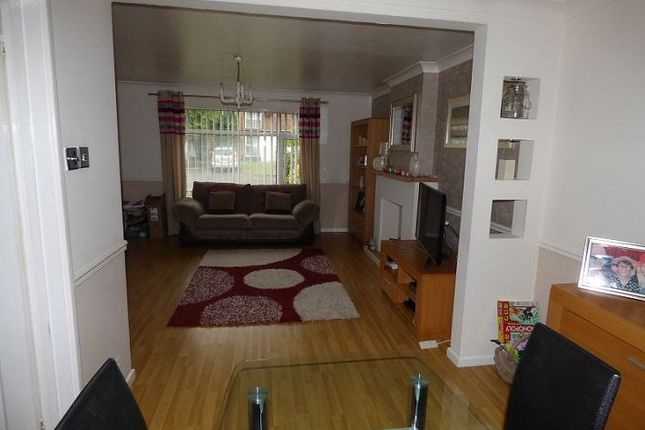 3 bed terraced house to rent in Kelsey Gardens, Doncaster