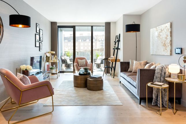 Thumbnail Flat for sale in Sutherland Street, Pimlico