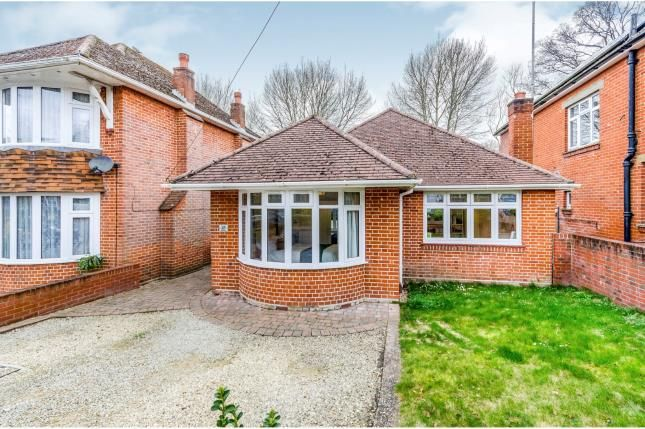 Thumbnail Bungalow for sale in Redhill Close, Southampton