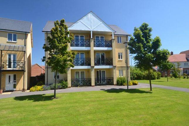 Thumbnail Flat to rent in Siskin Close, Portishead, Bristol