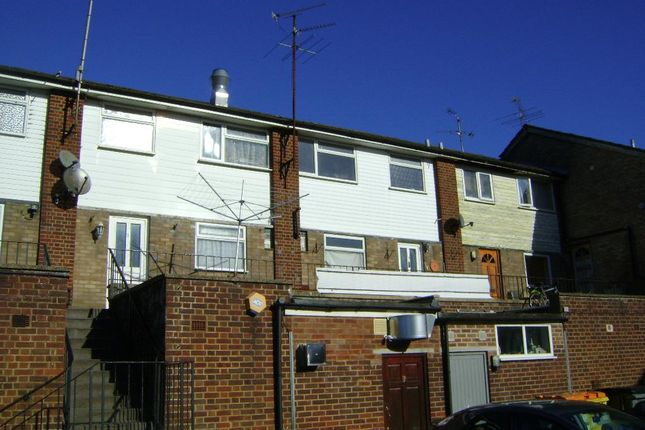 Thumbnail Maisonette to rent in Liphook Road, Lindford