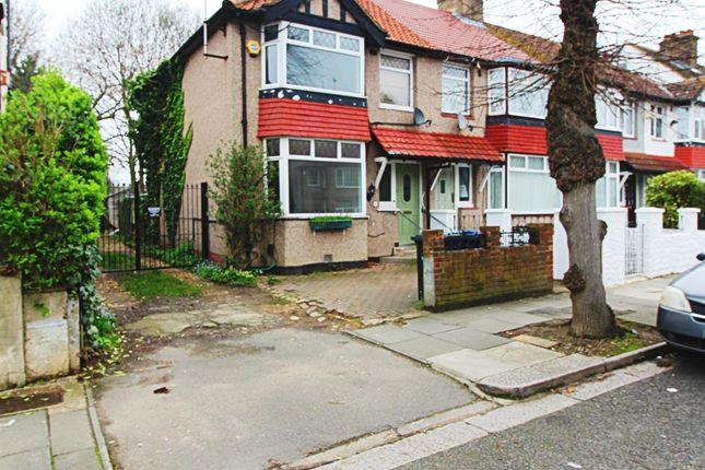 Thumbnail Flat to rent in Studland Road, Hanwell, London W7, London,