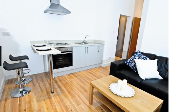Thumbnail Flat for sale in Devon Road, Leeds