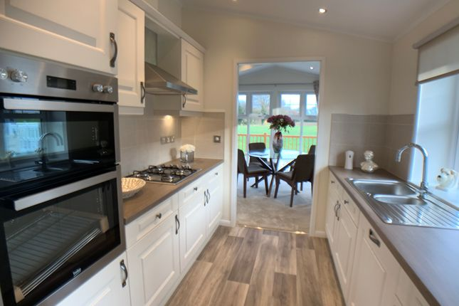 Thumbnail Mobile/park home for sale in Red River Country Park, Kingsmans Farm Rd, Hockley