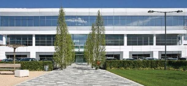 Office to let in Unit 4, Guildford Business Park, Guildford