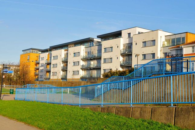 Thumbnail Flat for sale in Warrior Close, London