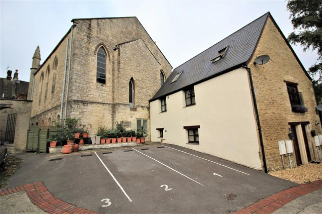 2 bed flat to rent in The Butts, Chippenham SN15