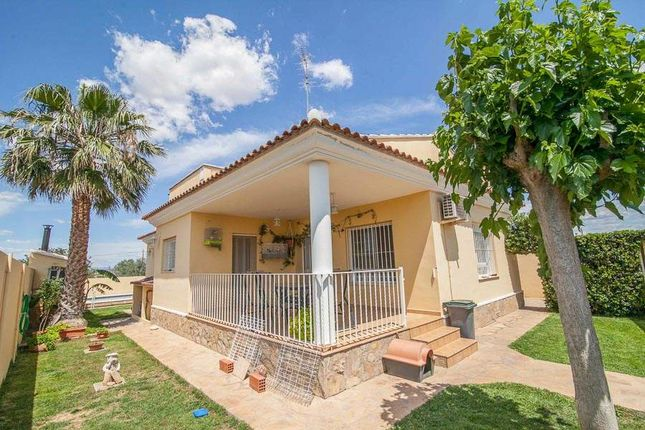 4 bed villa for sale in Pobla De Vallbona, Valencia, Spain