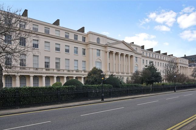 3 bed flat for sale in York Terrace West, London