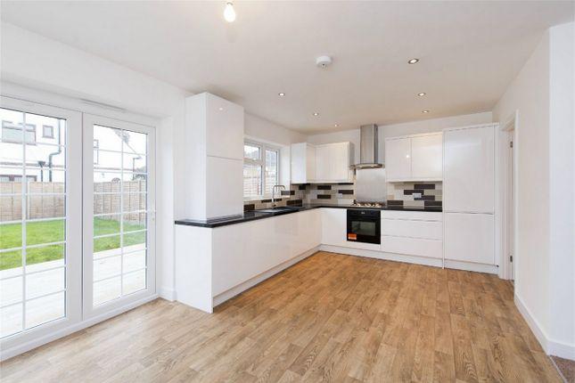 Room to rent in Mahlon Avenue, Ruislip, Greater London