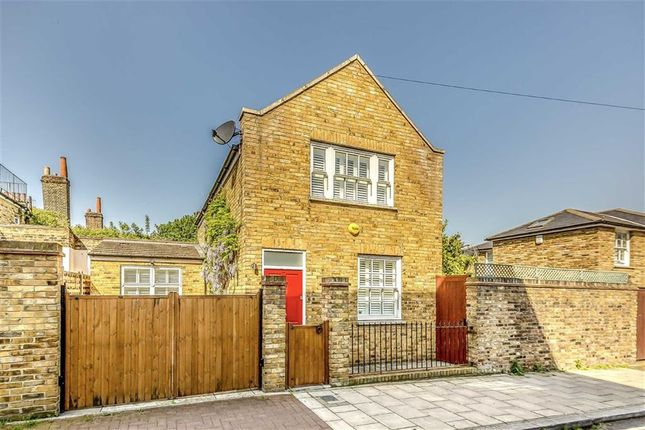 Thumbnail Detached house to rent in Hetherington Road, Clapham