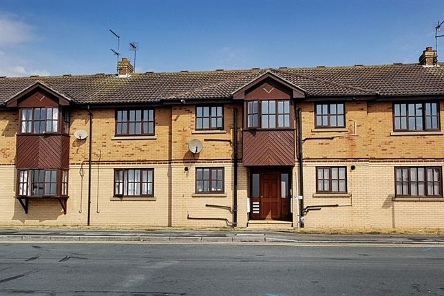 Thumbnail Flat for sale in Whiting Court, Cliff Road, Hessle