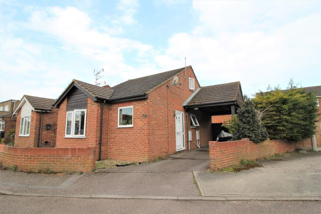 2 bed semi-detached bungalow to rent in Heathwood Drive, Ramsgate CT11