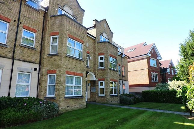 Thumbnail Flat for sale in Windmill Hill, Enfield