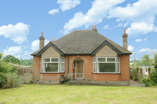 Thumbnail Detached bungalow to rent in Mays Lane, Barnet