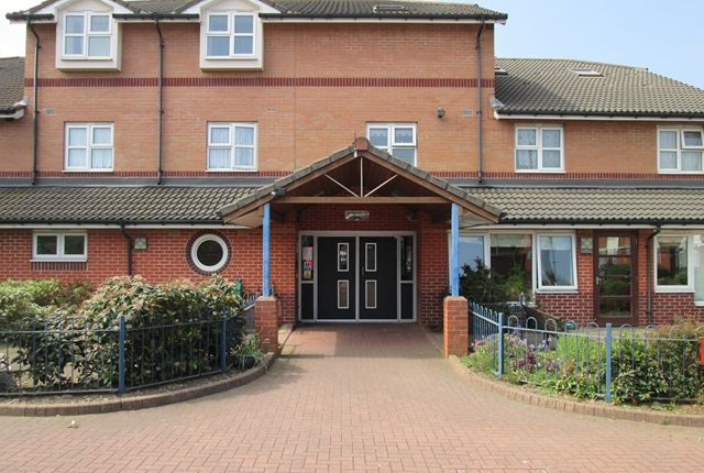 Thumbnail Flat to rent in Flat 1, Mother Thresea House, West Bromwich