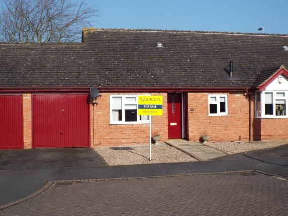 Thumbnail Property for sale in Wallis Close, Thurcaston, Leicester, Leicestershire