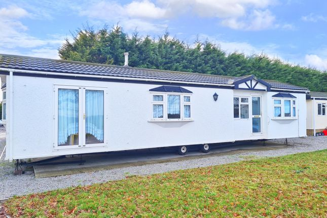 Thumbnail Bungalow to rent in Colchester Road, Great Bentley, Colchester
