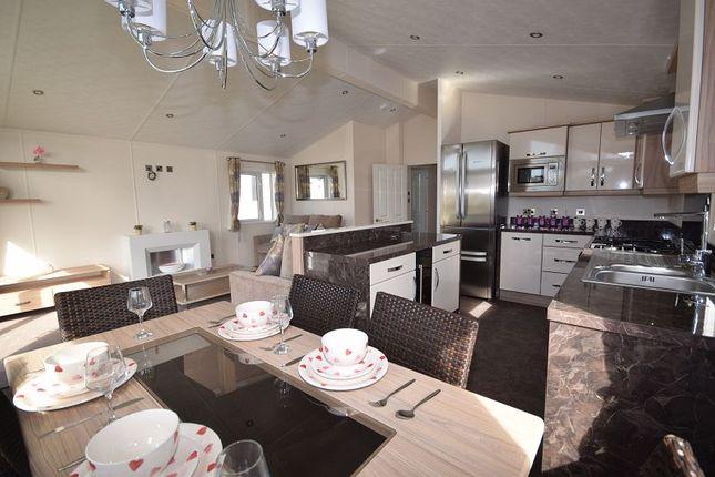 Thumbnail Mobile/park home for sale in Braunton Road, Ashford, Barnstaple