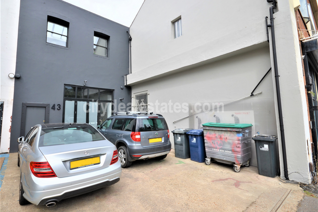 Thumbnail Office to let in Canham Road, London