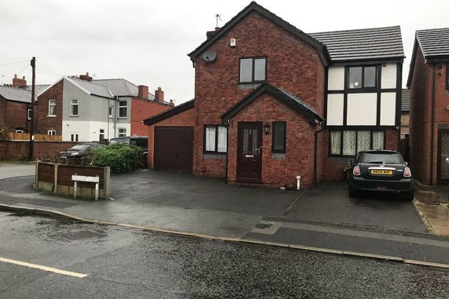 Thumbnail Detached house to rent in College Close, Stockport