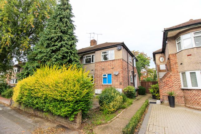 Thumbnail Maisonette for sale in Woodland Road, London