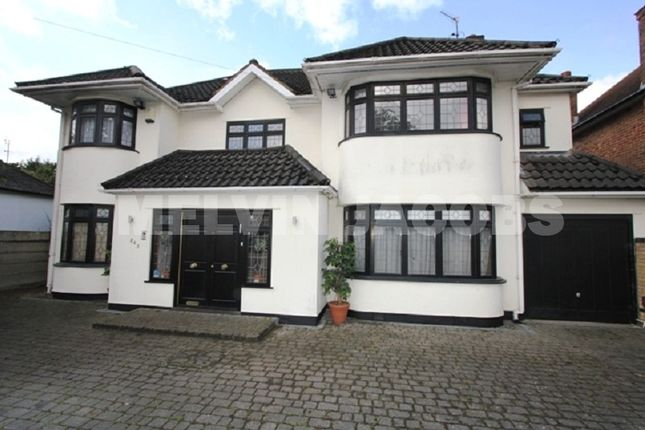 Thumbnail Detached house to rent in Edgwarebury Lane, Edgware, Greater London.