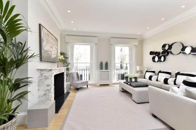 Thumbnail Terraced house to rent in Chester Row, London