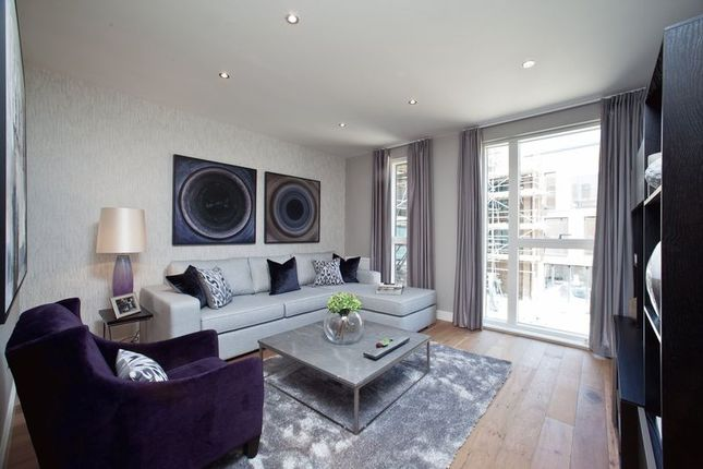 Thumbnail Flat to rent in Whiston Road, Haggerston Road