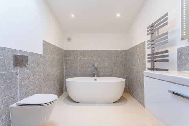 Bathroom of Taw Green, Okehampton, Devon EX20