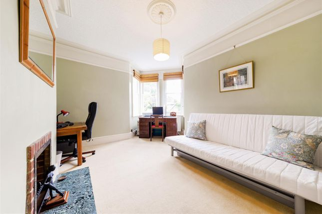 Highres2304566 of Angel Road, Thames Ditton KT7