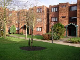 1 bed flat to rent in Wilmslow Road, Fallowfield
