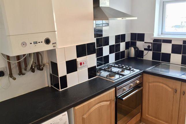 Homes to let in splott rent property in splott - Living room letting agency cardiff ...