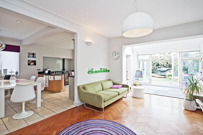 Thumbnail Property to rent in Twyford Avenue, London