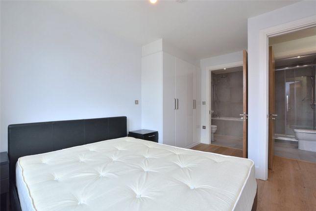 Master Bedroom of Argo House, 180 Kilburn Park Road, Kilburn Park, London NW6