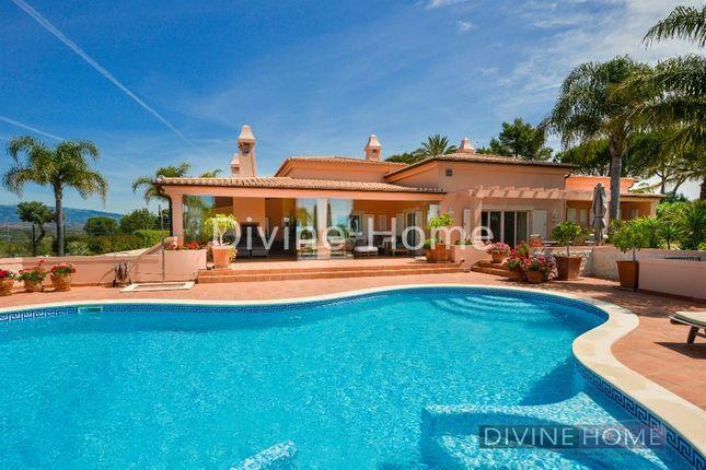 Thumbnail Villa for sale in Portimão, Portugal